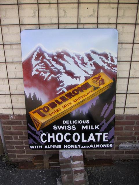 toblerone-holland.JPG