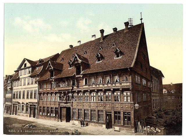 800px-hofbrauhaus_wolters.jpg