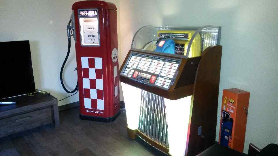 Bosch Kühlschrank 50er Jahre : Seltene avia zapfsäule seeburg jukebox 100 c bosch kühlschrank