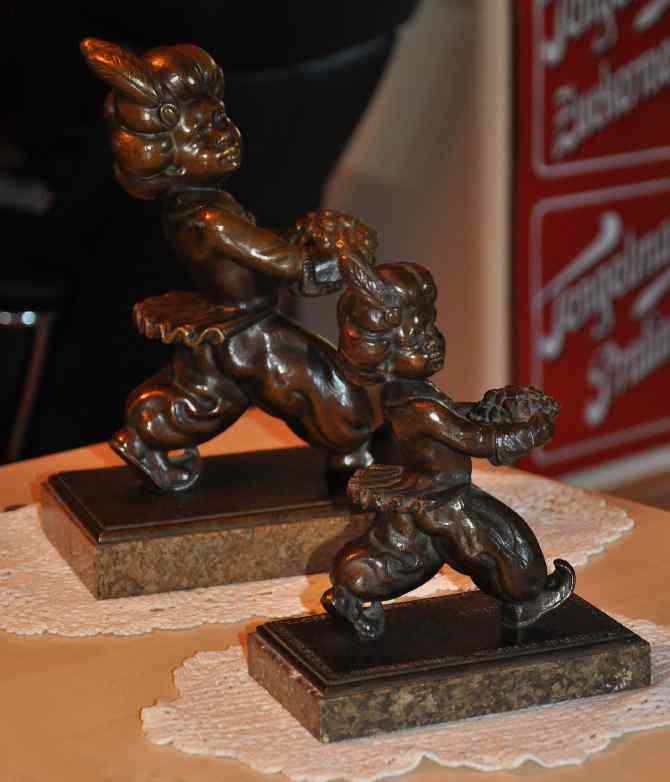 Originale Bronze Mohren klein und groß